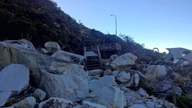 Damaged Panar Laban3b